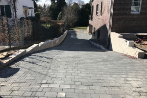 Wegebau Betonpflaster Auffahrt